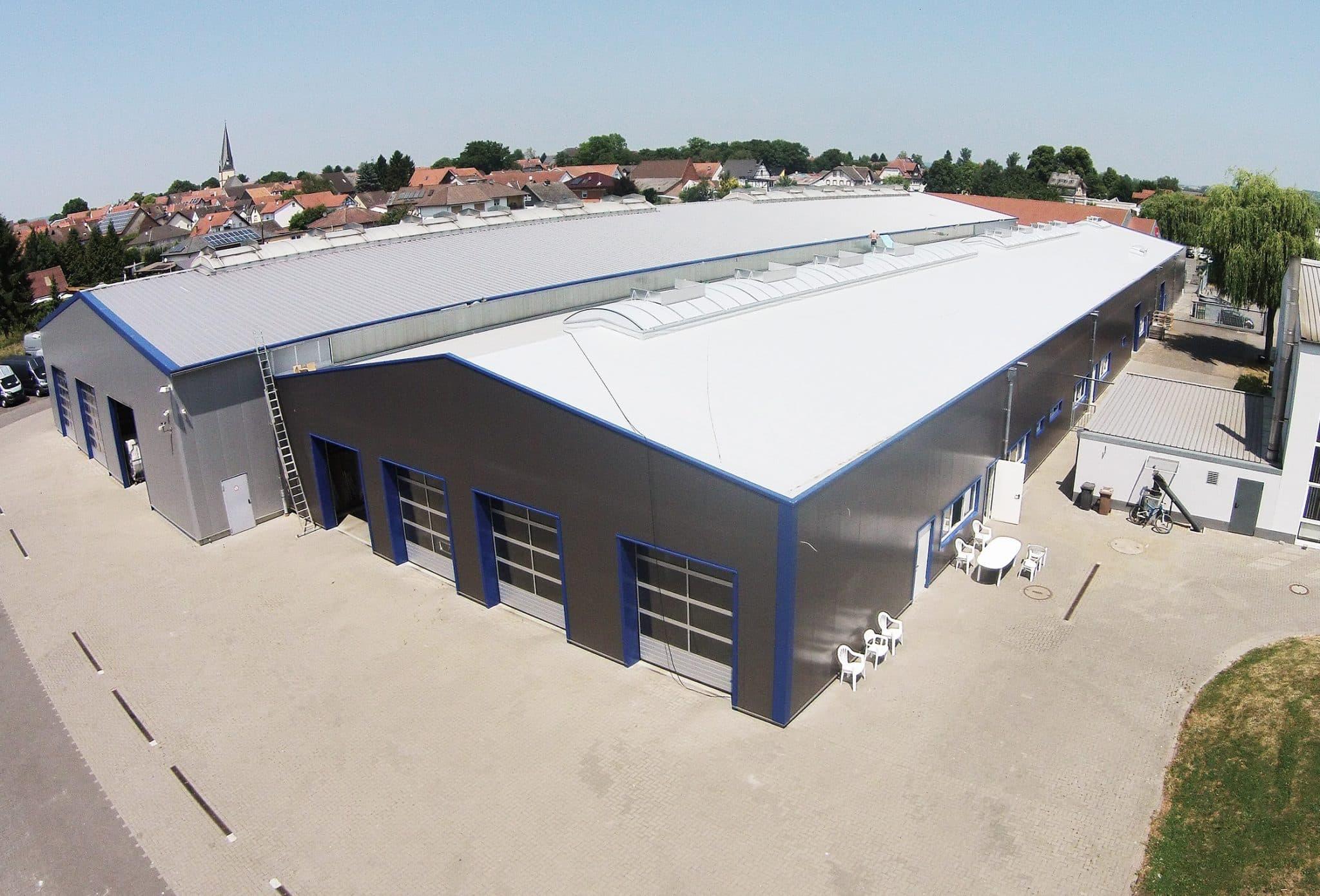 Fassaden- und Dachsanierung für La Strada