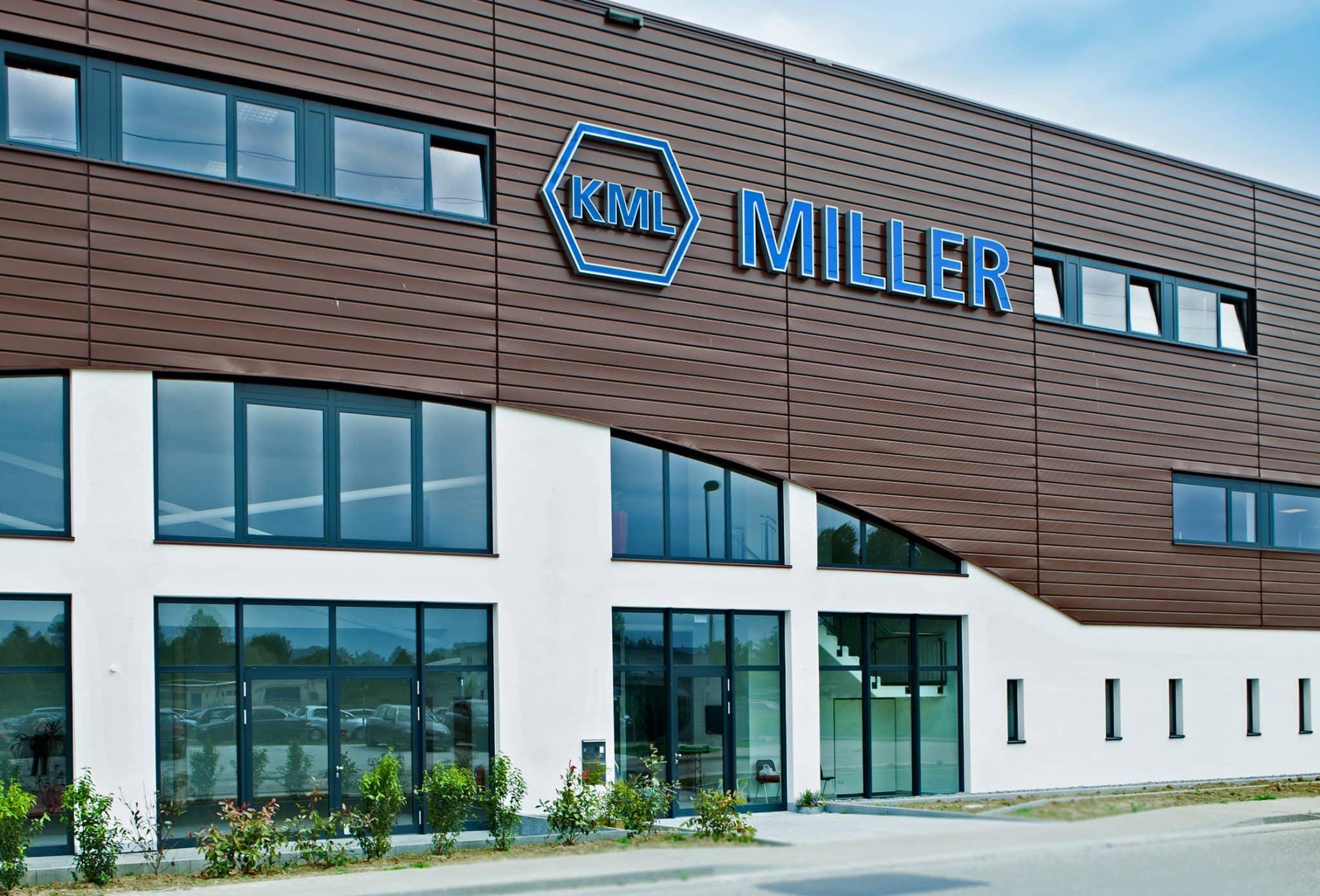 Halle und Bürogebäude für Miller in Lahr